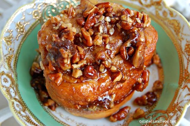 Buttermilk Cinnamon Pecan Rolls: Cozycakes Cottage